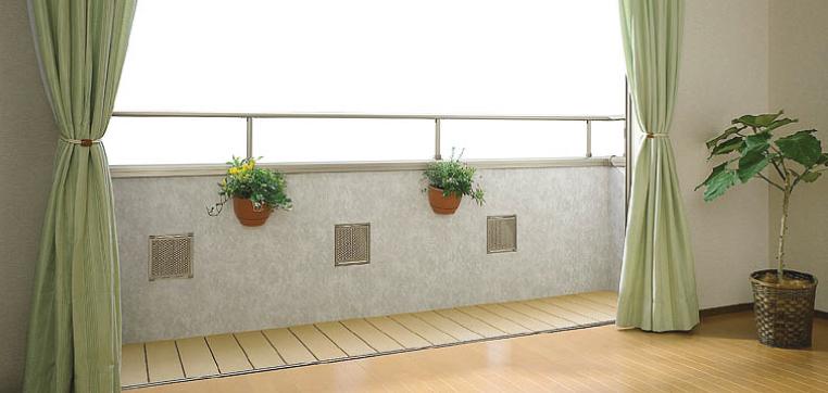 ベランダやバルコニーの床は防水層とトップコートの二重構造になっていて、それぞれが大切な役割を果たしています
