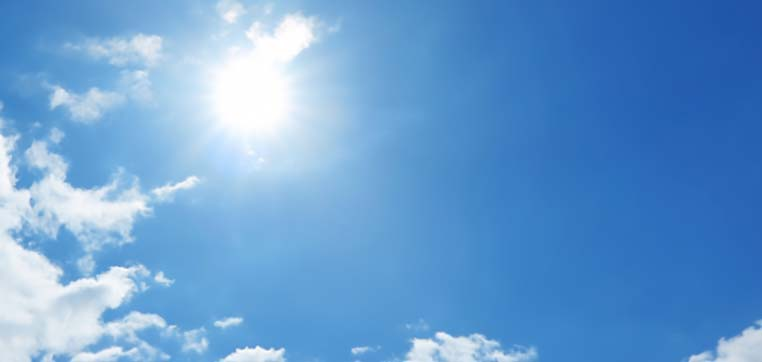 熱や日光で、コーキングは日々劣化していきます