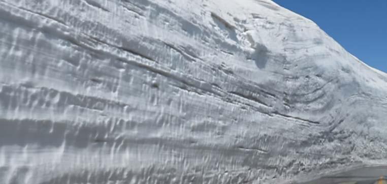 降雪地タイプのベランダ屋根がおすすめ
