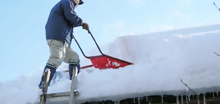 ベランダ屋根の積雪はすぐ「雪下ろし」を